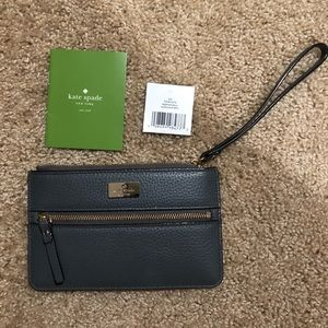 NWT: Kate Spade Highland Place Bee Grey Wristlet